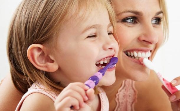 Spălarea corectă a dinților copiilor